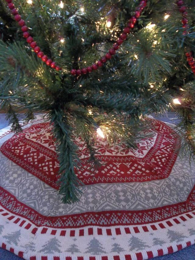Christmas tree skirt alternatives patina general for Tree skirt alternatives
